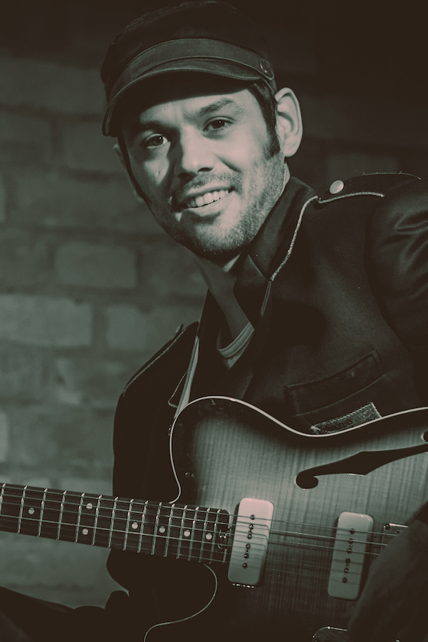 Bruno - Gitarre und Gesang